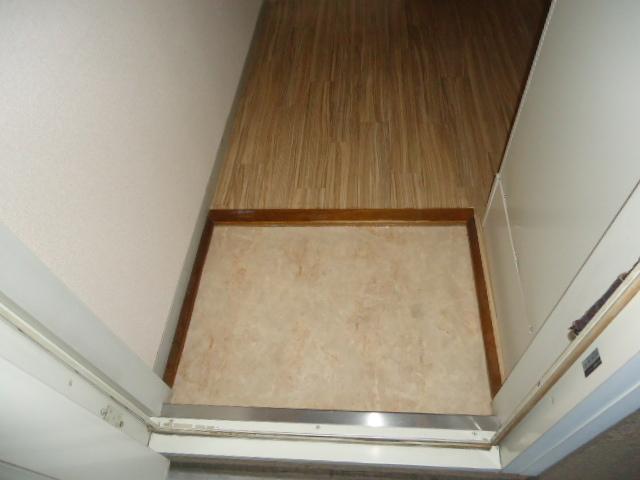 リバティスクエア A206号室の玄関
