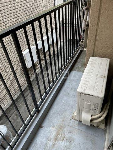 タカラコーポ日吉 202号室のバルコニー