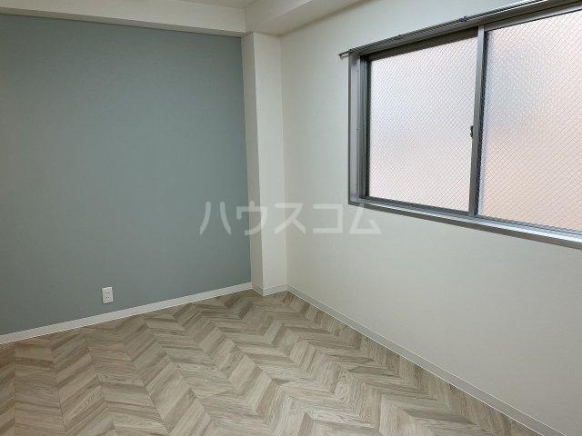 タカラコーポ日吉 202号室のリビング