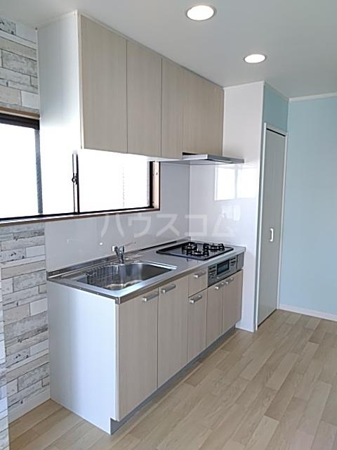 エクシードヒルズ 401号室のキッチン