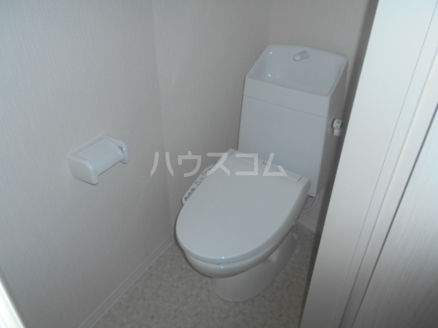 コルディアルマン貫井 201号室のトイレ
