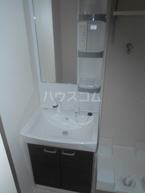 コルディアルマン貫井 201号室の洗面所