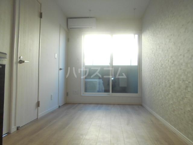コルディアルマン貫井 203号室のリビング