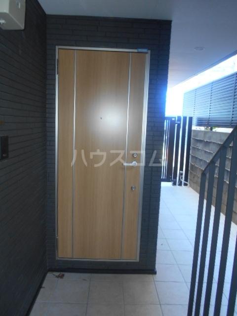 コルディアルマン貫井 203号室のエントランス