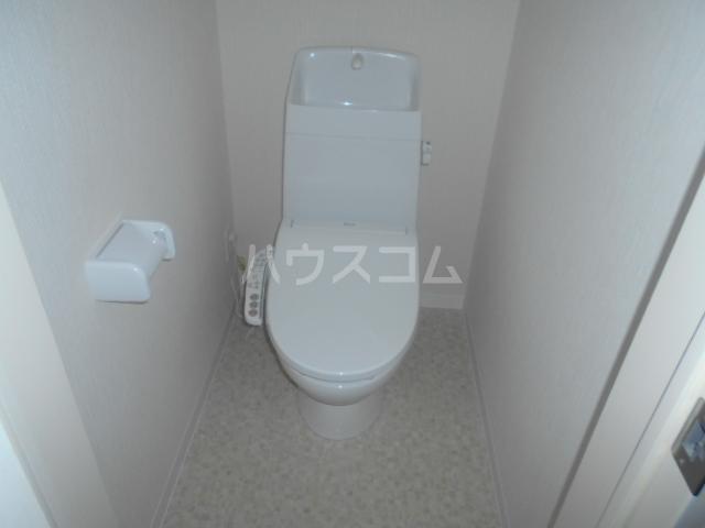 コルディアルマン貫井 302号室のトイレ