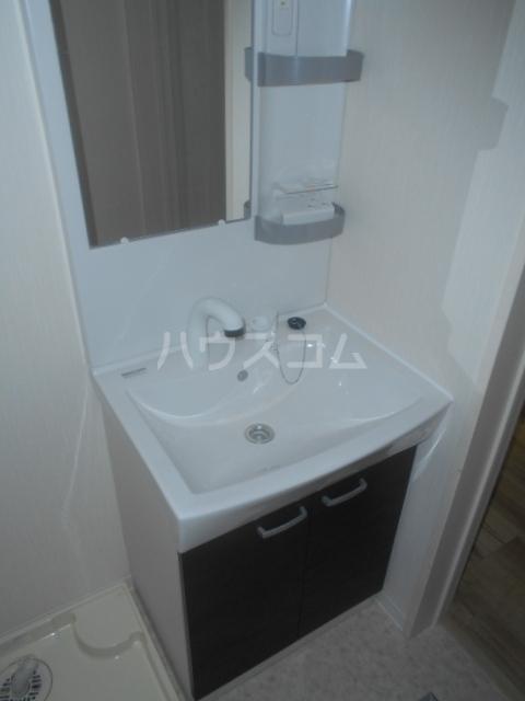 コルディアルマン貫井 302号室の洗面所
