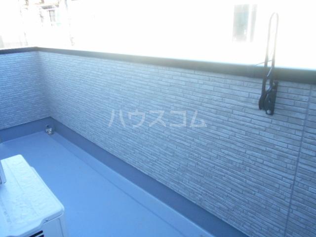 コルディアルマン貫井 302号室のバルコニー