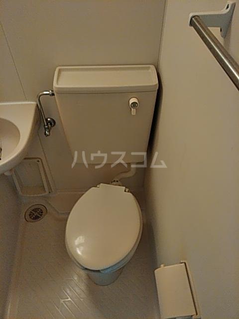 ベイグランデ北栄 415号室のトイレ