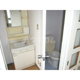 信和マンション 1102号室の洗面所