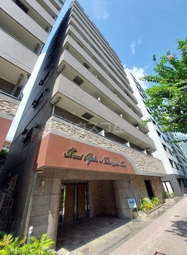 グランド・ガーラ西新宿EASTの外観