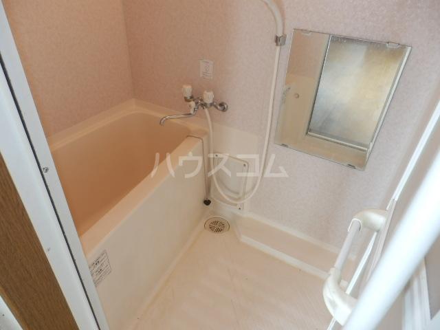メゾンドールST 306号室の風呂