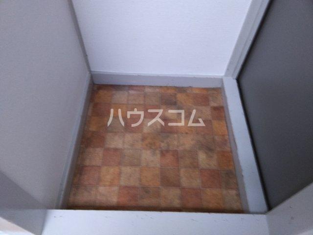 望月荘 202号室の玄関