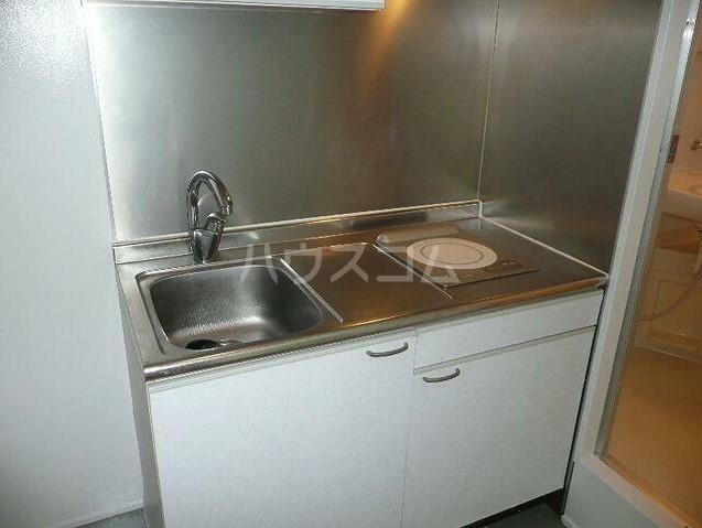 アッパルタメントフルビアーレ 103号室のキッチン
