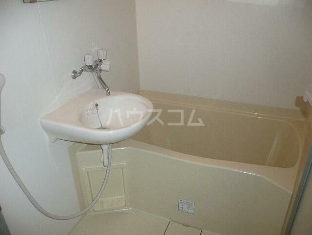 アッパルタメントフルビアーレ 103号室の風呂