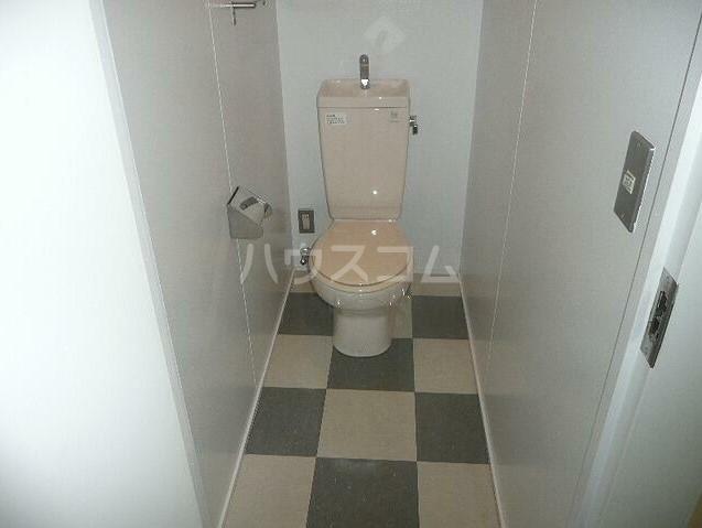 アッパルタメントフルビアーレ 103号室のトイレ