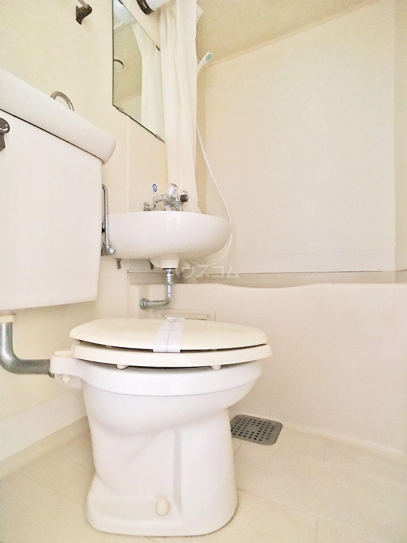 コットンハウス柳瀬 205号室のトイレ