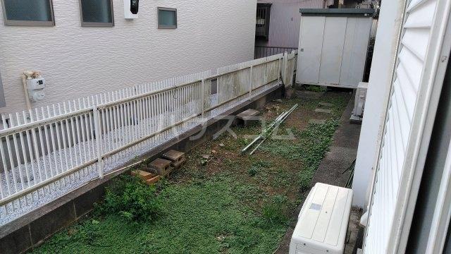 高舟台2丁目アパート 1号室の庭