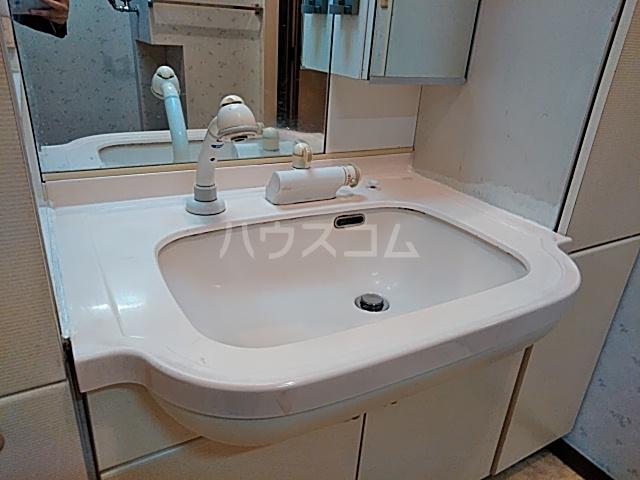 高舟台2丁目アパート 1号室の洗面所