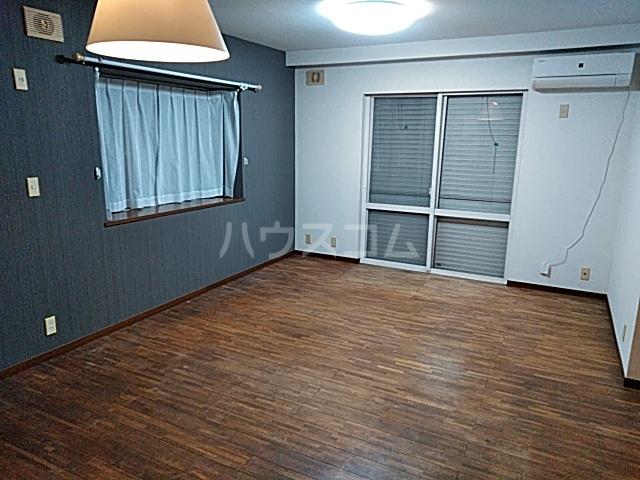高舟台2丁目アパート 1号室のリビング
