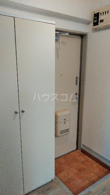 ヒルブライト 107号室の玄関