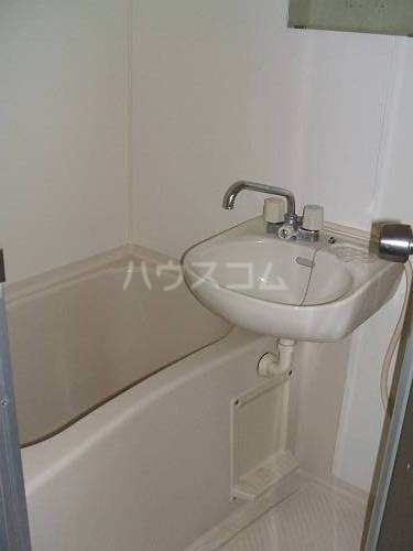 メモワール上桂 202号室の洗面所