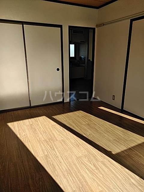 コーポなみまつ Ⅰ 102号室のベッドルーム