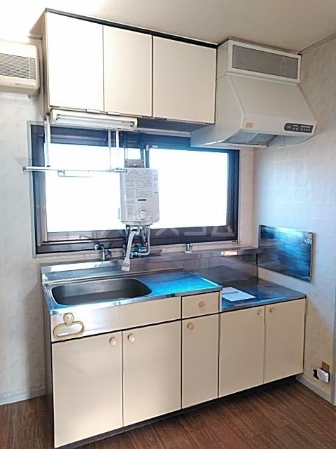 コーポなみまつ Ⅰ 102号室のキッチン