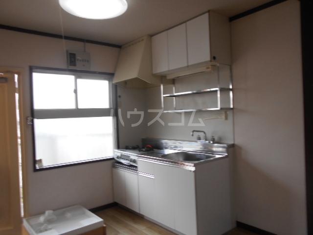 実方ハイツ 402号室のキッチン