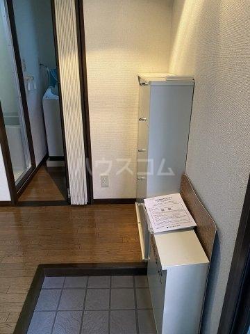 ハイネス青戸 2-B号室の玄関