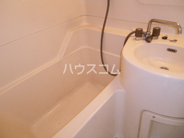 メゾン中居B 203号室の風呂