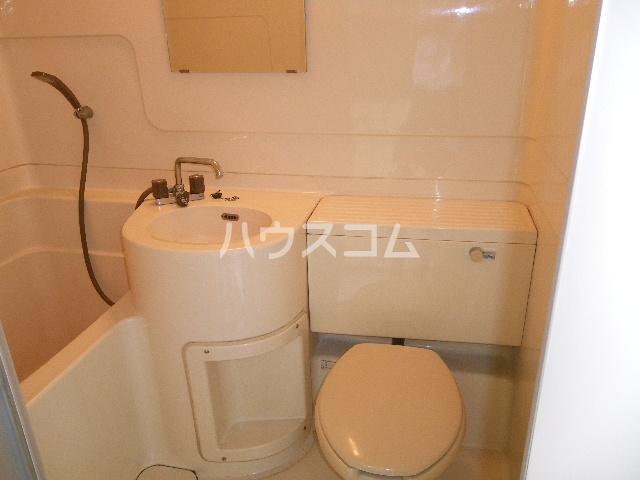 メゾン中居B 203号室の洗面所