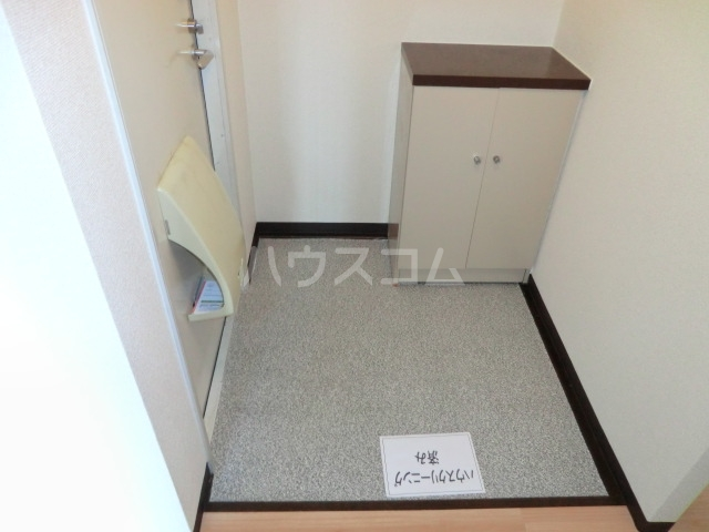 サニーハイム東岸和田 203号室の玄関