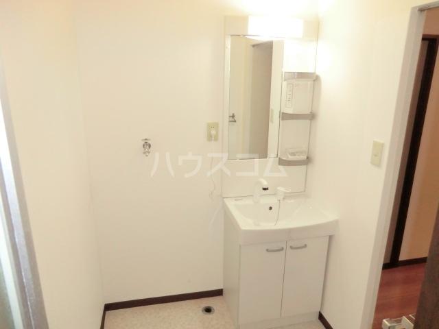 サニーハイム東岸和田 203号室の洗面所