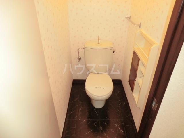 サニーハイム東岸和田 203号室のトイレ
