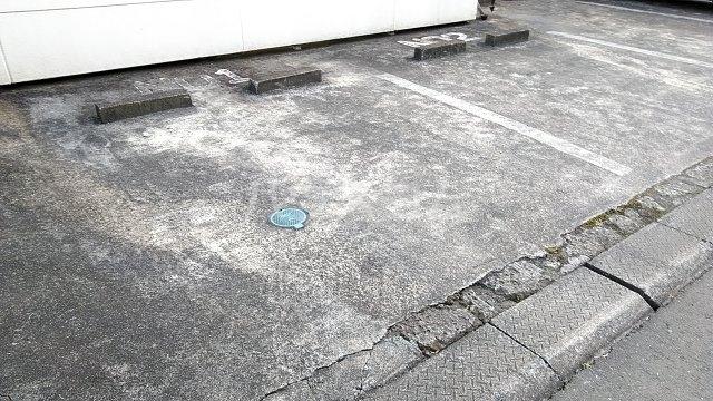 小美玉メゾンオークラ E棟 102号室の駐車場