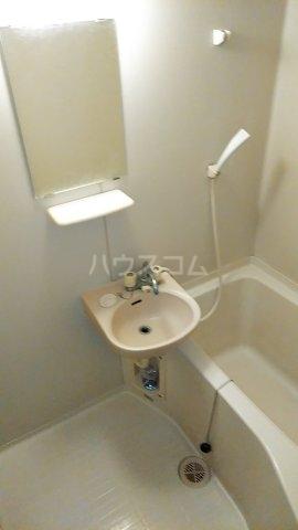 小美玉メゾンオークラ E棟 102号室の風呂