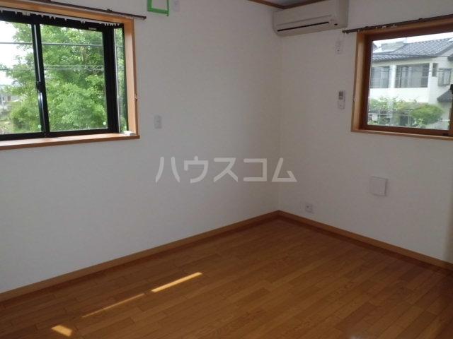 シルクハイツA 201号室のベッドルーム