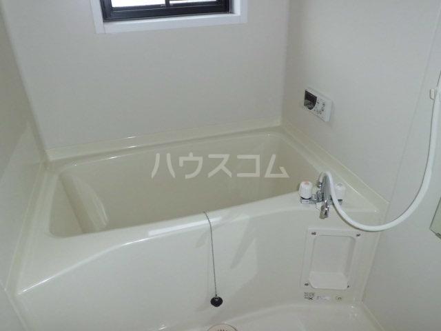 シルクハイツA 201号室の風呂