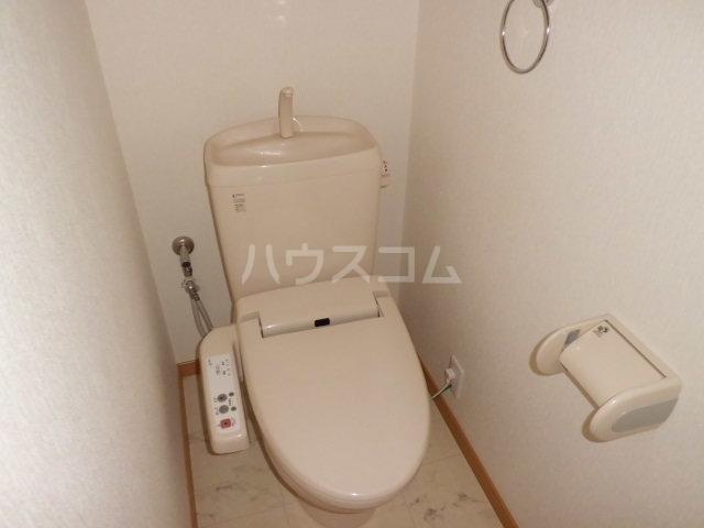 シルクハイツA 201号室のトイレ
