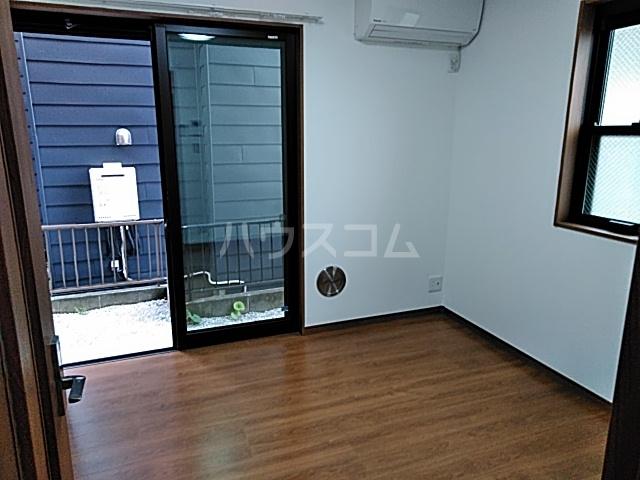 グランフェリオ横浜元町 201号室のリビング