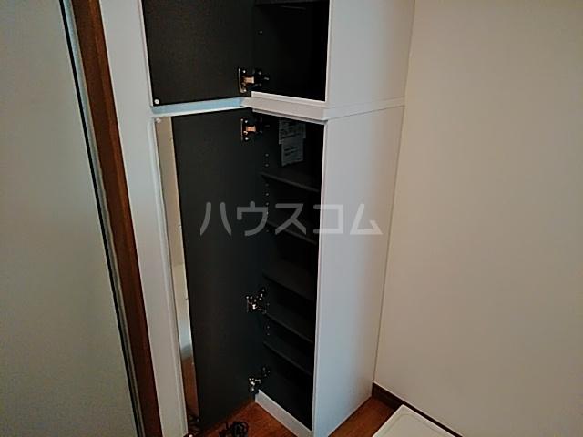 グランフェリオ横浜元町 201号室の収納