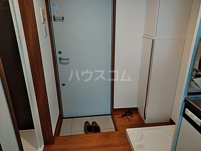 グランフェリオ横浜元町 201号室の玄関