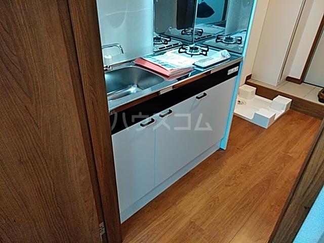 グランフェリオ横浜元町 303号室のキッチン