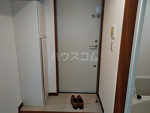 グランフェリオ横浜元町 303号室の玄関