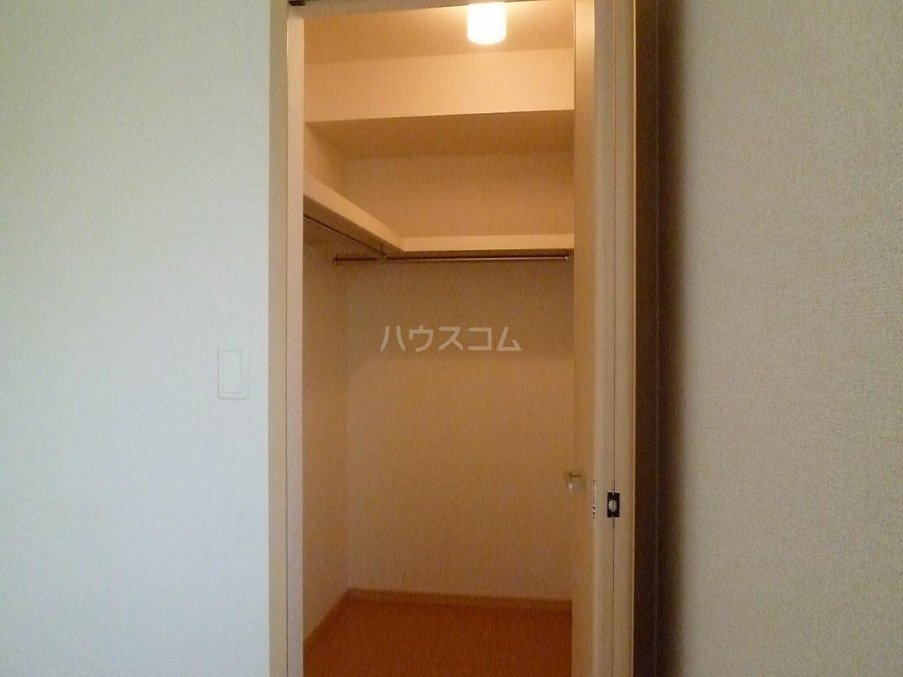パティオ Ⅱ 01020号室の収納
