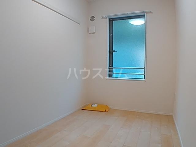 アイル八王子 202号室の居室