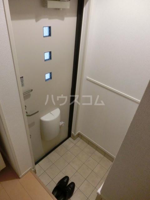モデッサ東山 03010号室の玄関