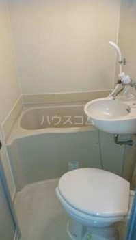 ReDEAL三鷹 203号室の風呂