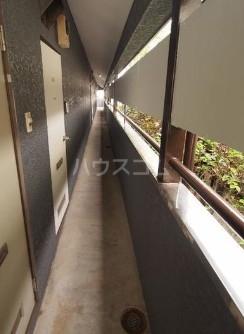 ReDEAL三鷹 203号室のバルコニー