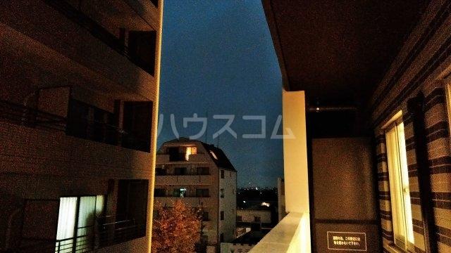 アジールコート新高円寺 205号室の景色